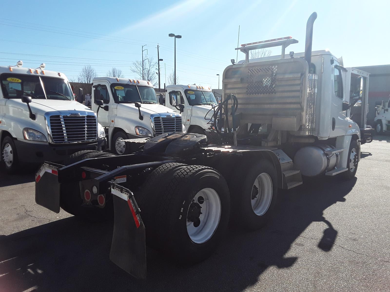 2014 Freightliner Truck 6x4, Tractor #545580 - photo 1