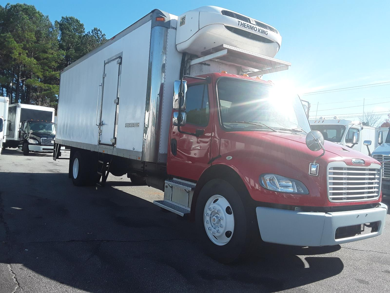 2014 Freightliner Truck 4x2, Refrigerated Body #559726 - photo 1