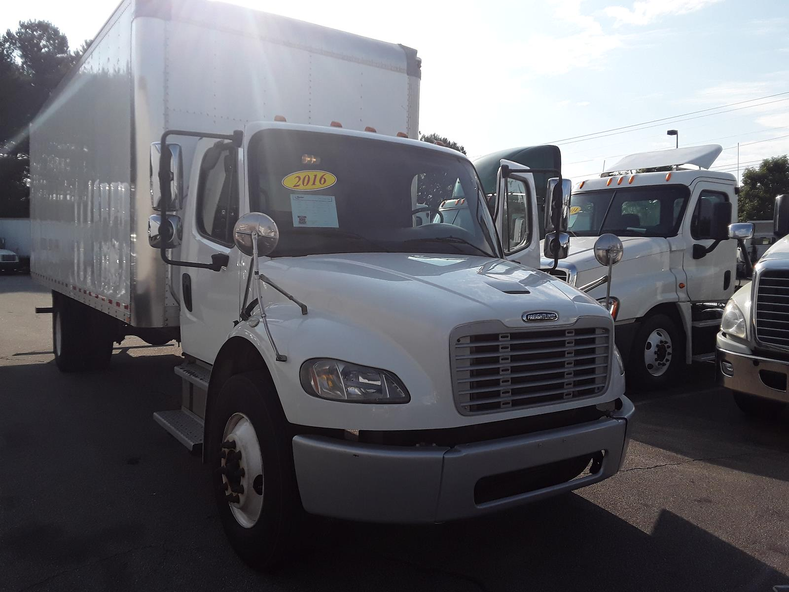 2016 Freightliner M2 106 4x2, Dry Freight #661567 - photo 1