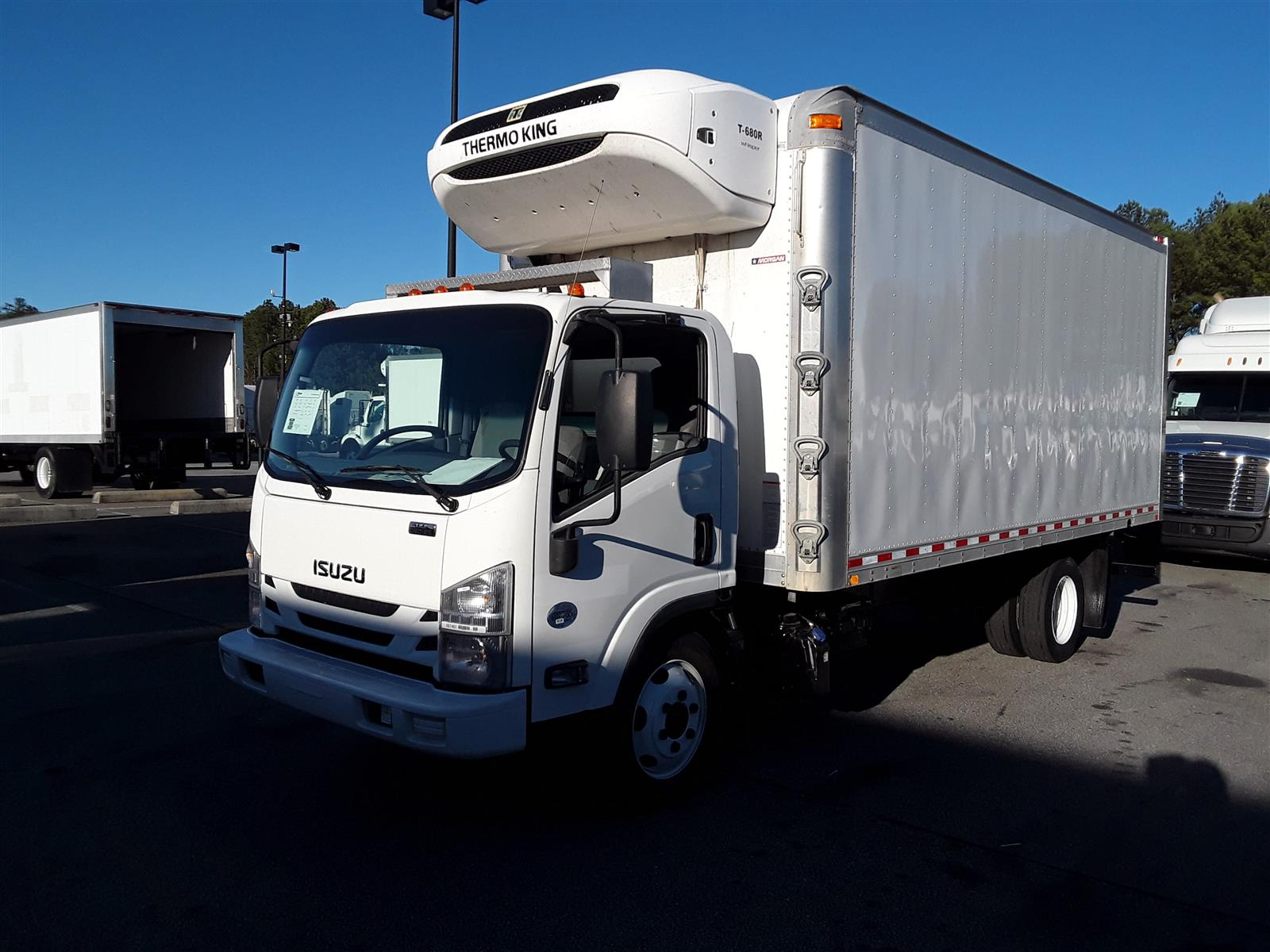 2016 Isuzu NRR Regular Cab 4x2, Refrigerated Body #667467 - photo 1