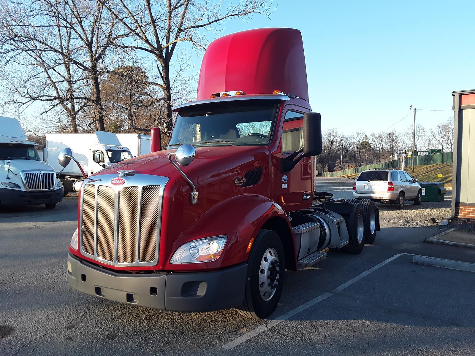 2015 Peterbilt 579 6x4, Tractor #302439 - photo 1