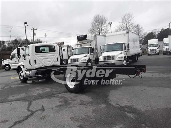 2013 International Truck 4x2, Cab Chassis #473516 - photo 1