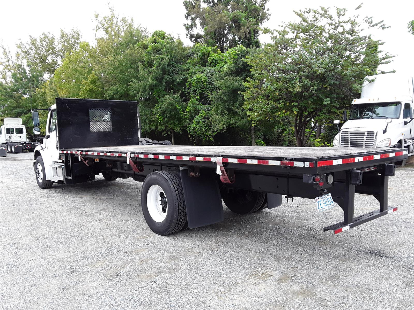 2012 Freightliner Truck 4x2, Dry Freight #478650 - photo 1