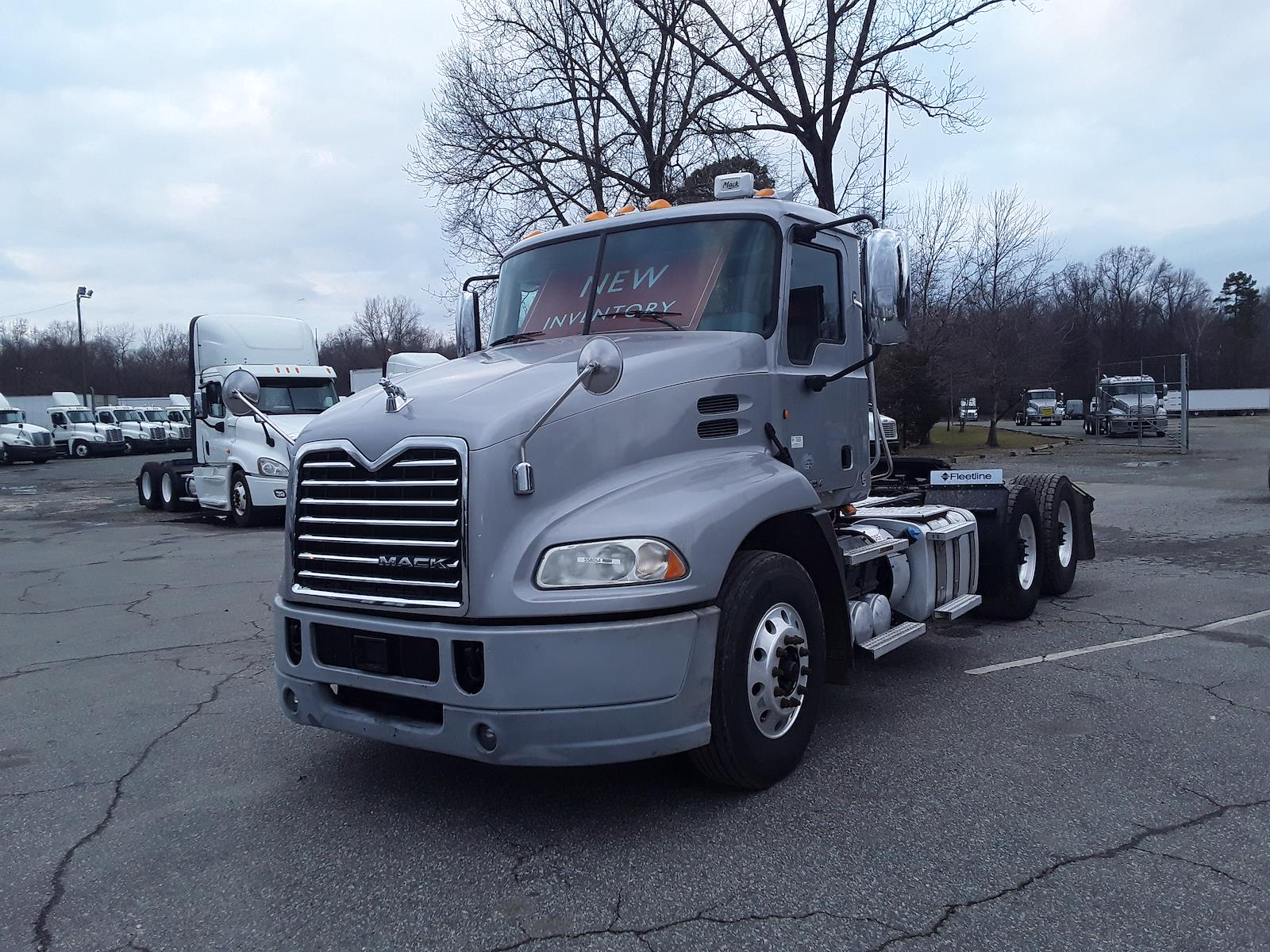 2015 Mack CXU613, Tractor #558054 - photo 1
