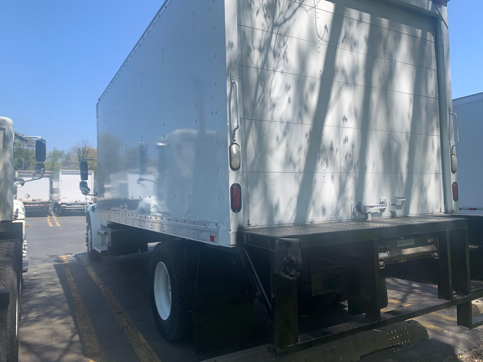 2016 Freightliner M2 106 4x2, Dry Freight #353172 - photo 1