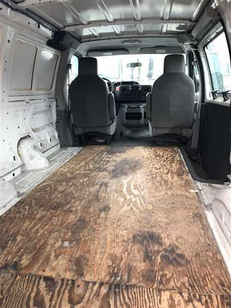 2009 Ford E-350 4x2, Empty Cargo Van #501485 - photo 1