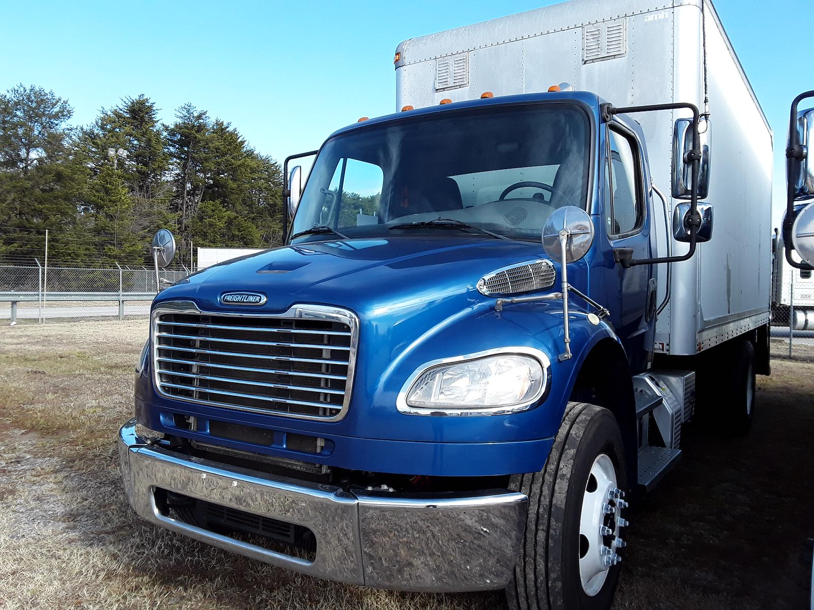 2014 Freightliner M2 106 4x2, Dry Freight #534957 - photo 1