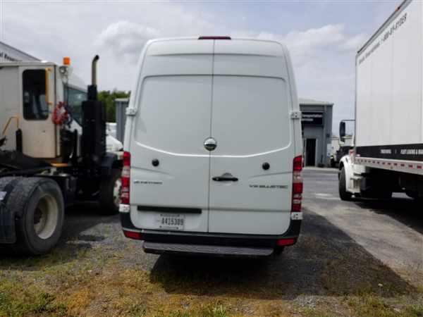 2015 Freightliner Sprinter 2500, Empty Cargo Van #646658 - photo 1