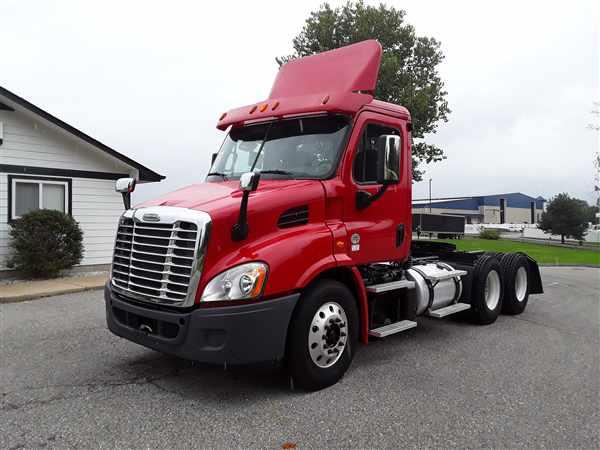2013 Freightliner Truck 6x4, Tractor #512495 - photo 1