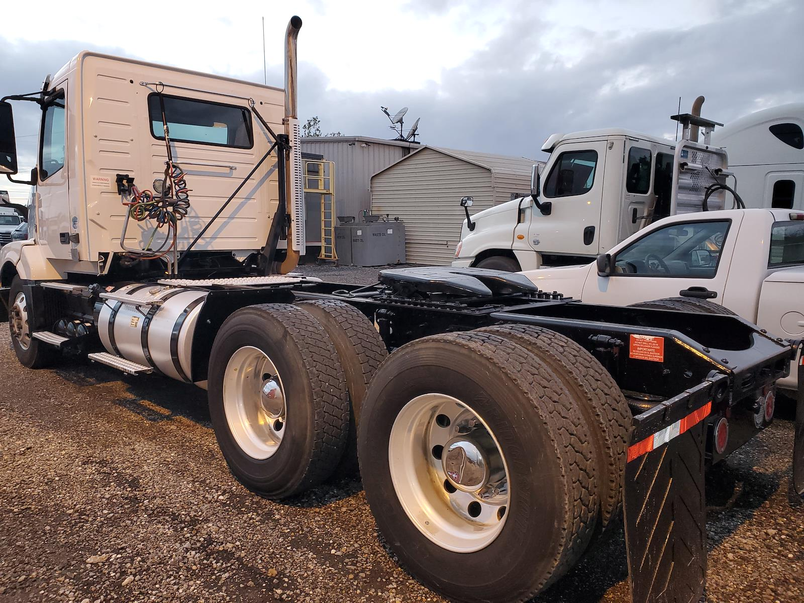 2016 Volvo VNL 6x4, Tractor #368201 - photo 1