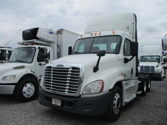 2014 Freightliner Truck 6x4, Tractor #519983 - photo 1