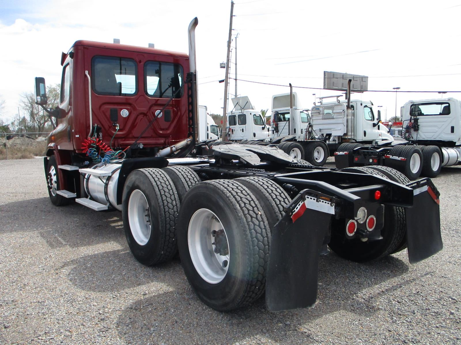 2015 Freightliner Cascadia 6x4, Tractor #596736 - photo 1