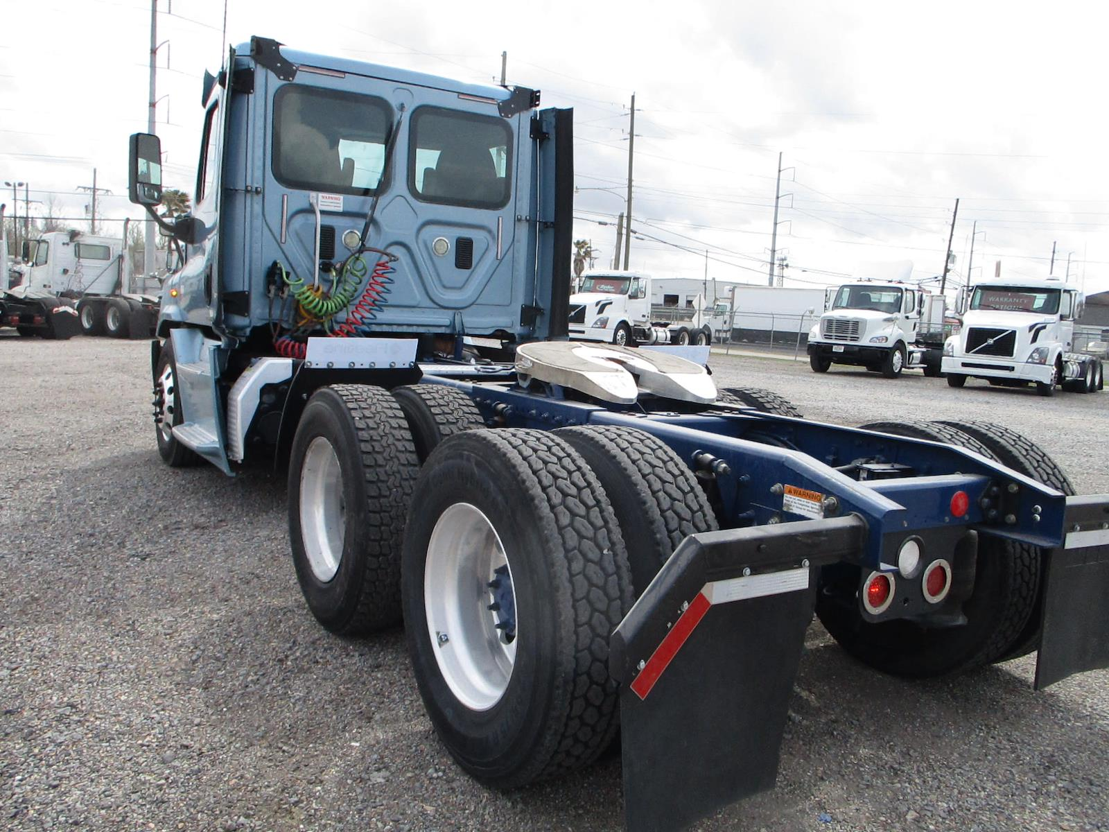 2016 Freightliner Cascadia 6x4, Tractor #658564 - photo 1