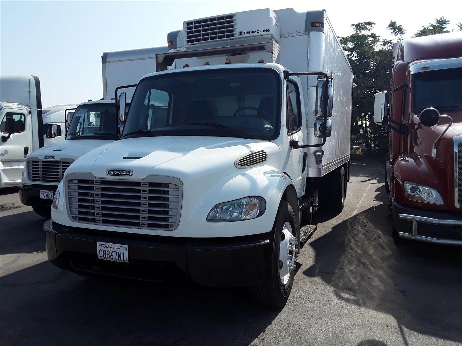 2014 Freightliner Truck 4x2, Refrigerated Body #531516 - photo 1
