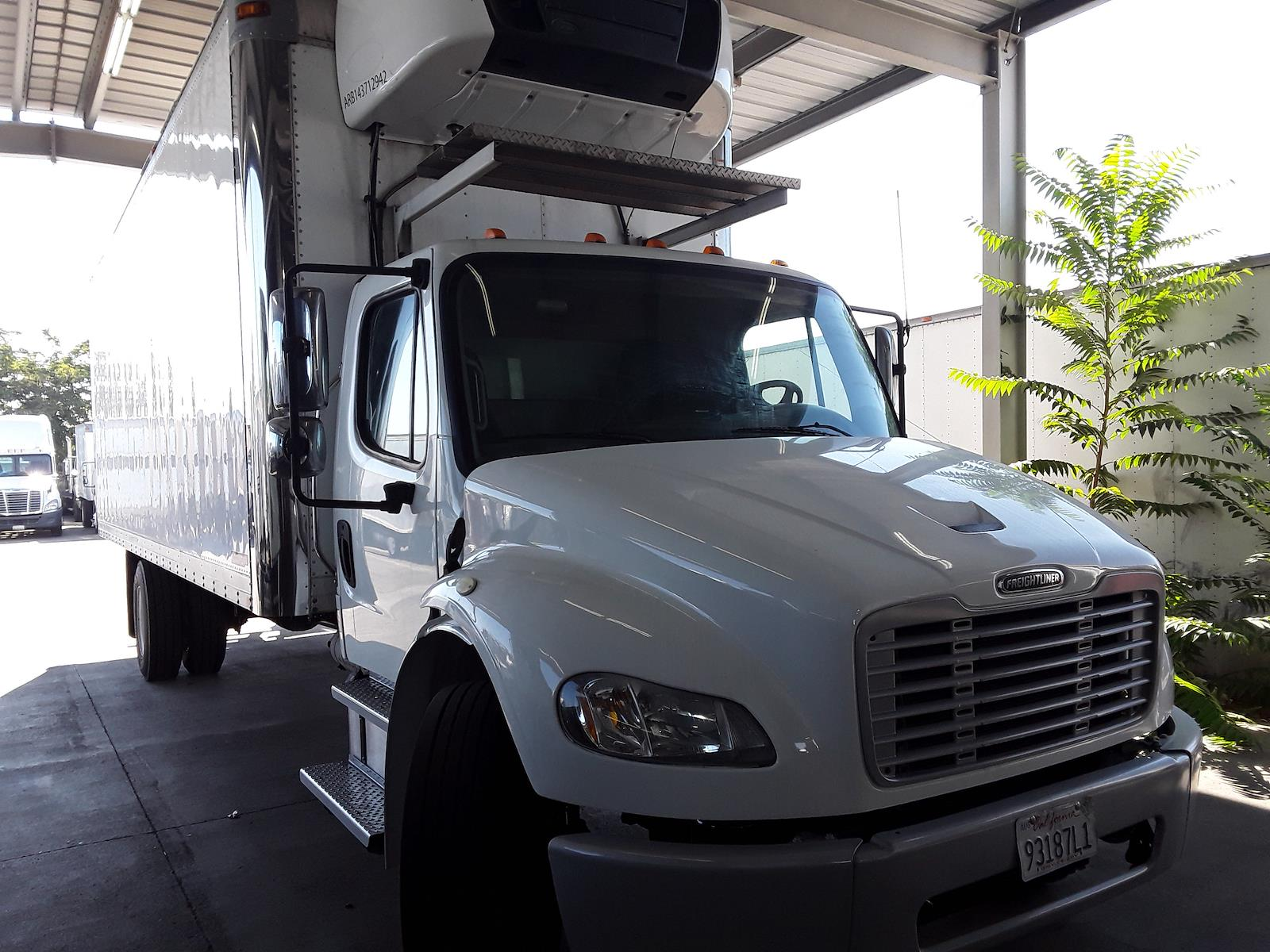 2014 Freightliner Truck 4x2, Refrigerated Body #537978 - photo 1