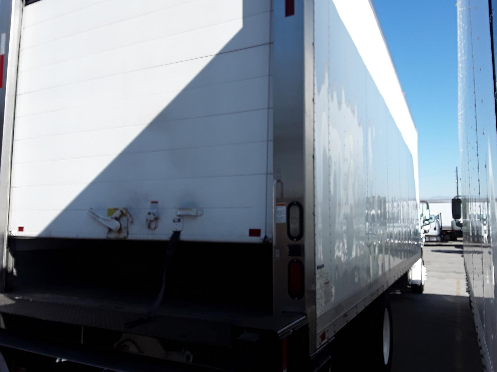 2014 Freightliner Truck 4x2, Refrigerated Body #550354 - photo 1
