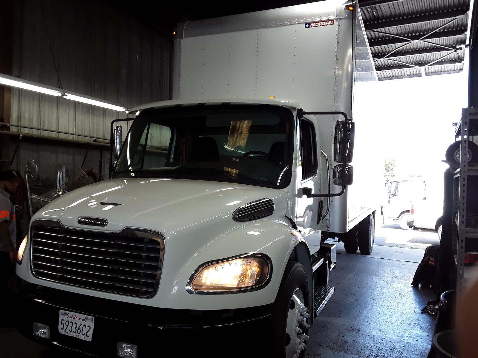 2017 Freightliner M2 106 4x2, Dry Freight #679024 - photo 1
