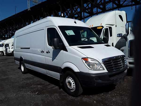 2013 Freightliner Sprinter 3500, Empty Cargo Van #514028 - photo 1