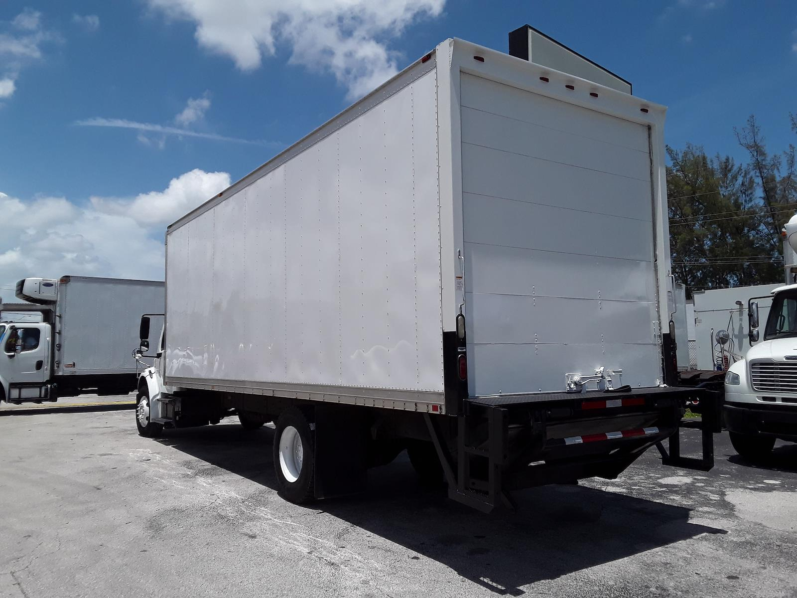 2014 Freightliner Truck 4x2, Dry Freight #542761 - photo 1