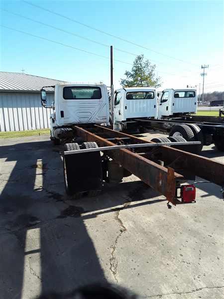 2011 International DuraStar 4400 4x2, Cab Chassis #629939 - photo 1
