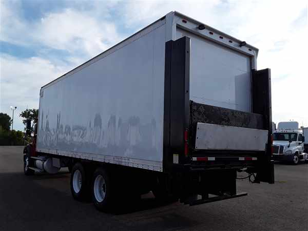 2013 Freightliner Truck 6x4, Dry Freight #513219 - photo 1