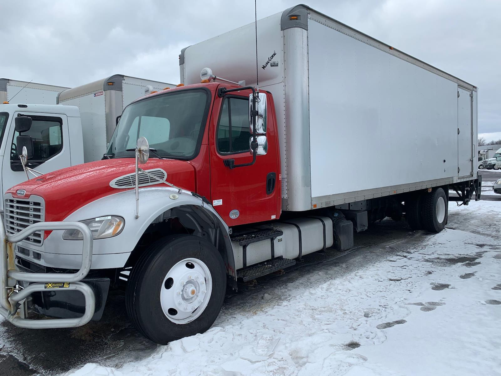 2016 Freightliner M2 106 4x2, Dry Freight #352883 - photo 1