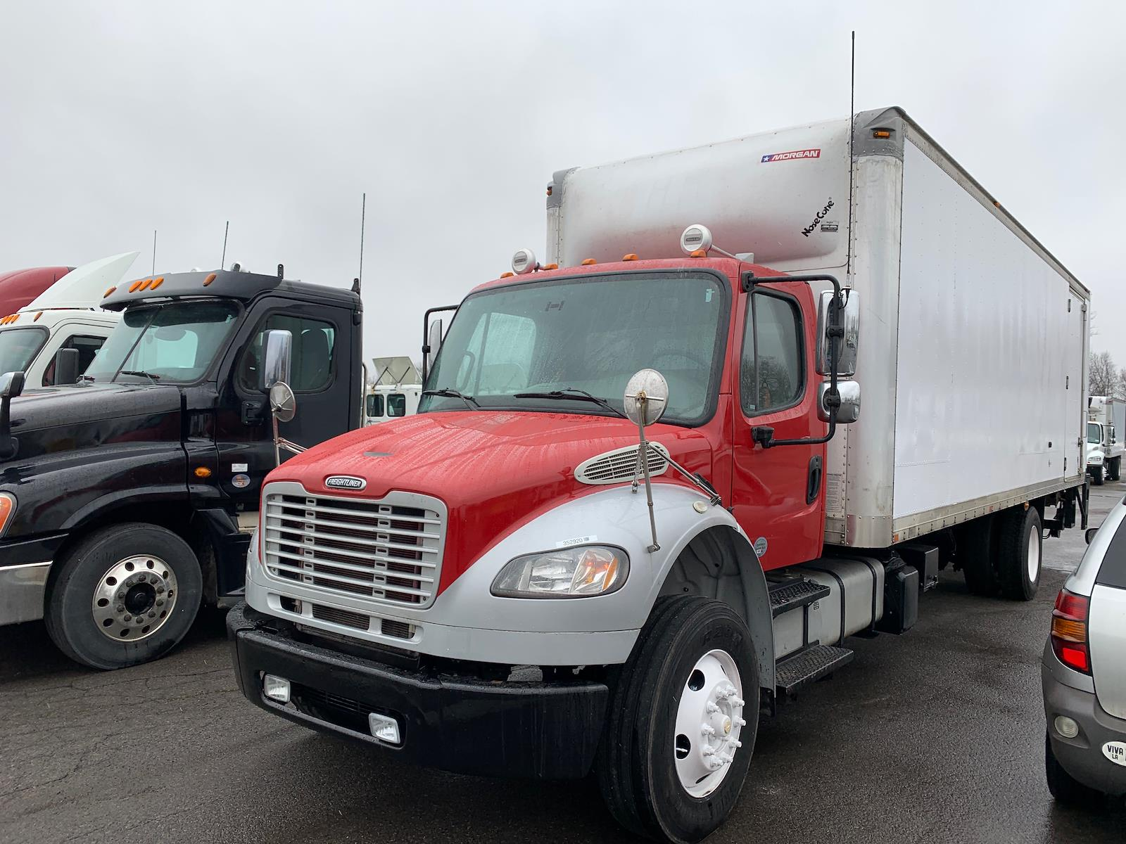 2016 Freightliner M2 106 4x2, Dry Freight #352920 - photo 1