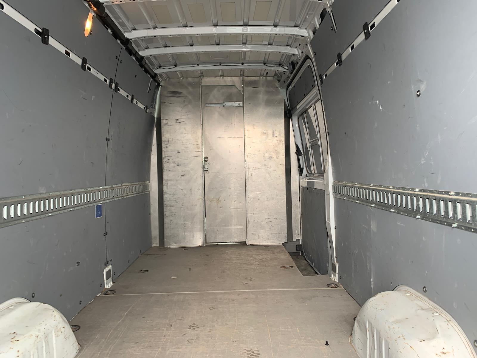 2015 Freightliner Sprinter 2500, Empty Cargo Van #644185 - photo 1