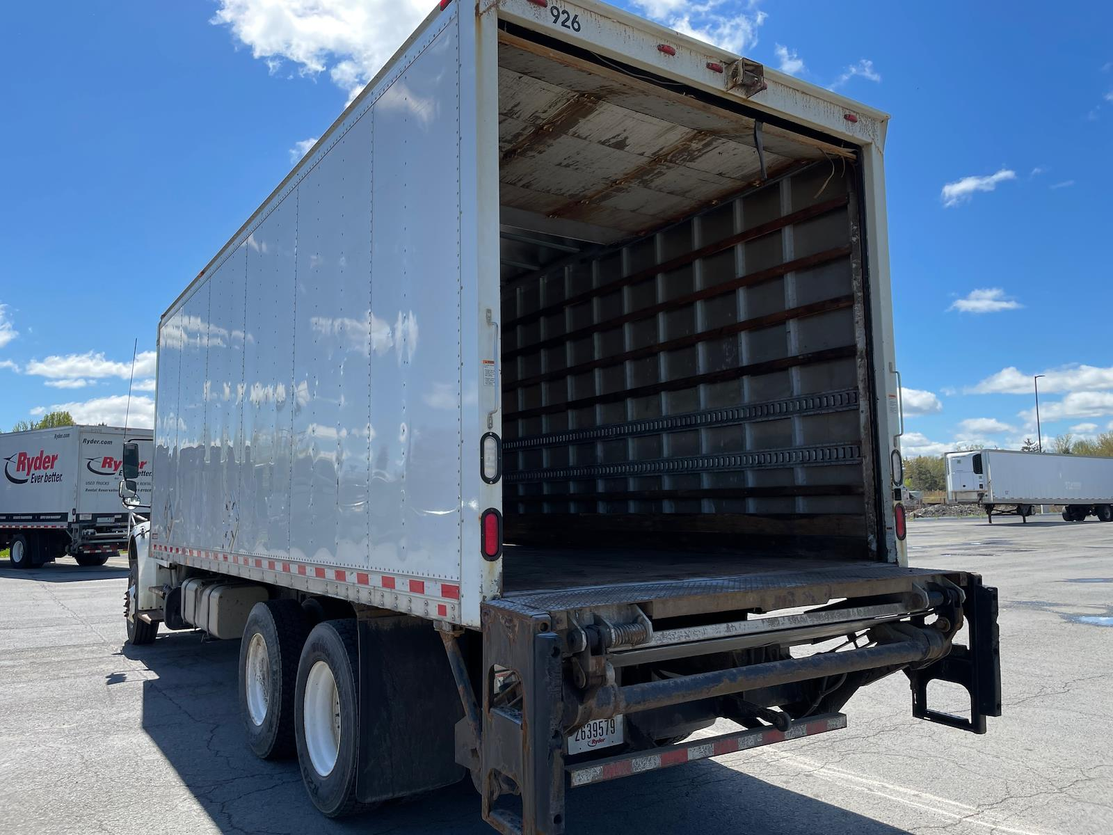 2016 Freightliner M2 106 6x4, Dry Freight #651419 - photo 1