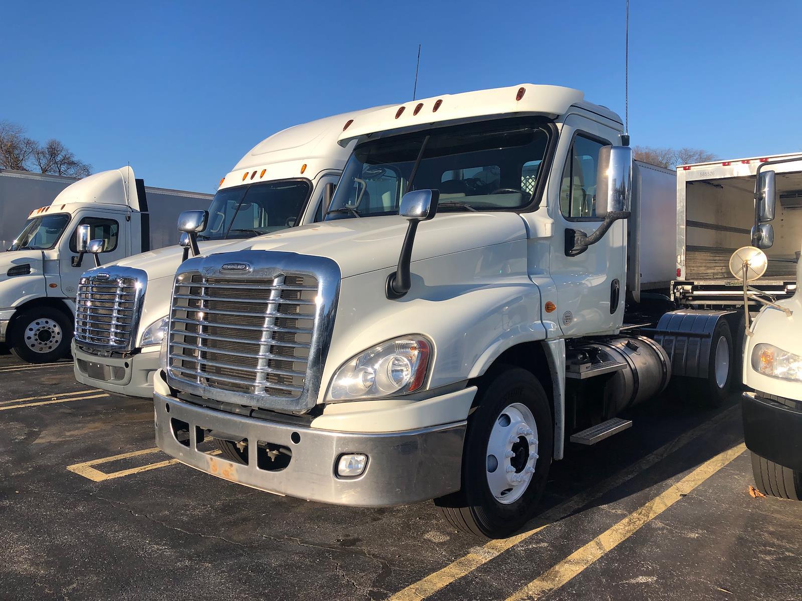 2014 Freightliner Truck 6x4, Tractor #538294 - photo 1