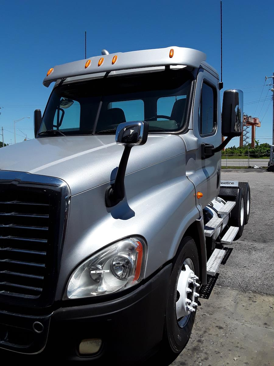 2014 Freightliner Truck 6x4, Tractor #539712 - photo 1