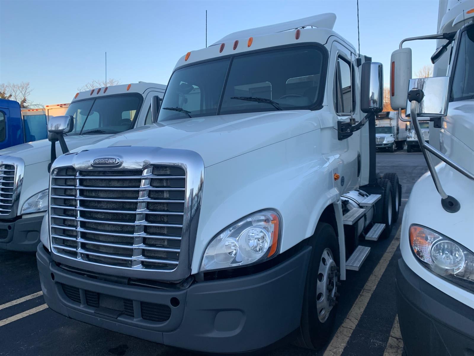 2014 Freightliner Truck 6x4, Tractor #552057 - photo 1