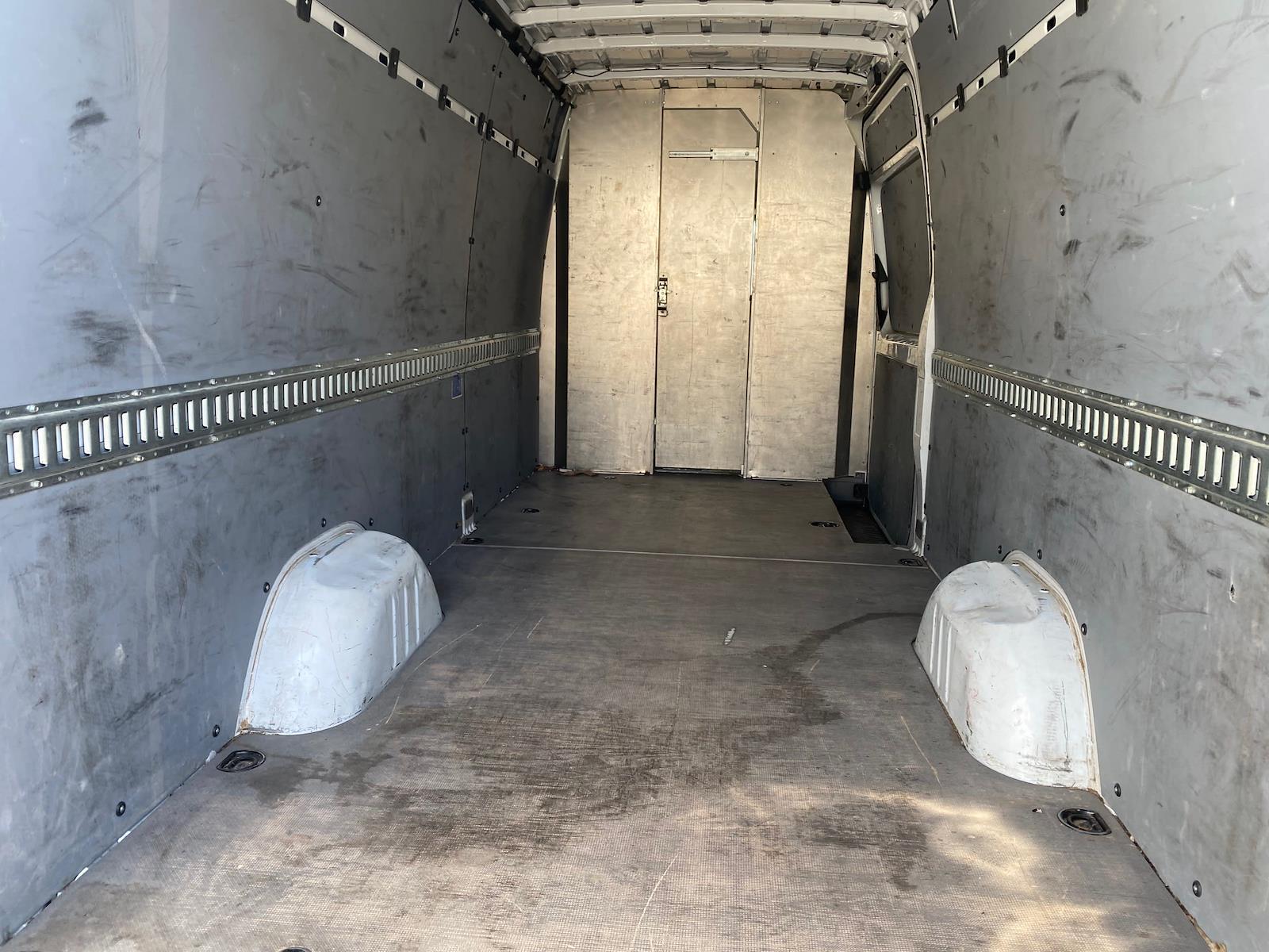 2015 Freightliner Sprinter 2500, Empty Cargo Van #643551 - photo 1