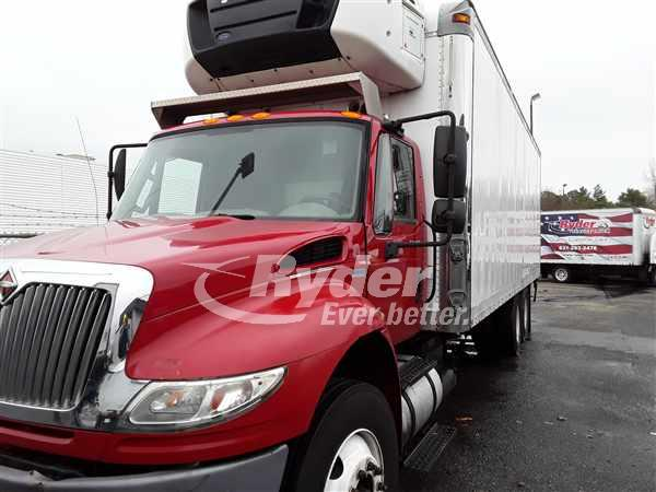 2013 International DuraStar 4400 6x4, Refrigerated Body #490980 - photo 1