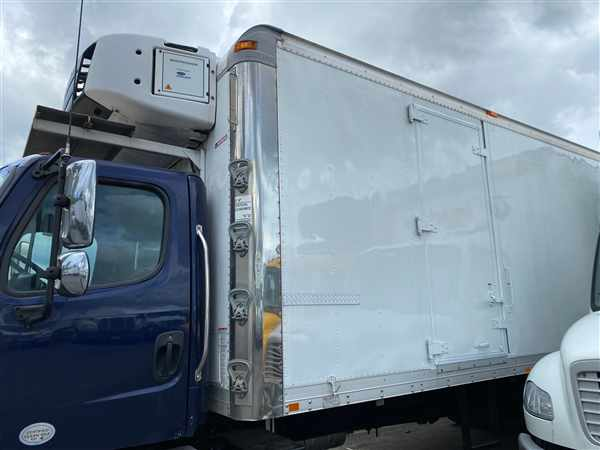 2014 Freightliner M2 106 4x2, Refrigerated Body #497426 - photo 1
