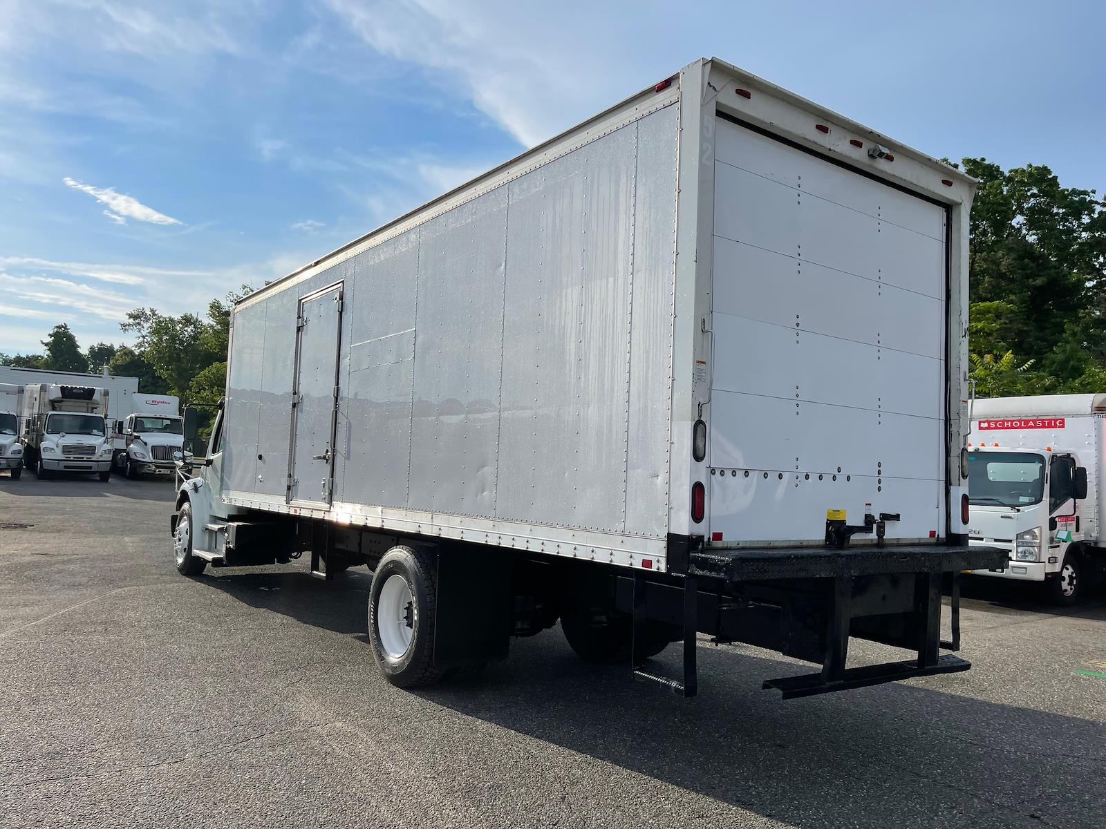 2014 Freightliner Truck 4x2, Dry Freight #537490 - photo 1