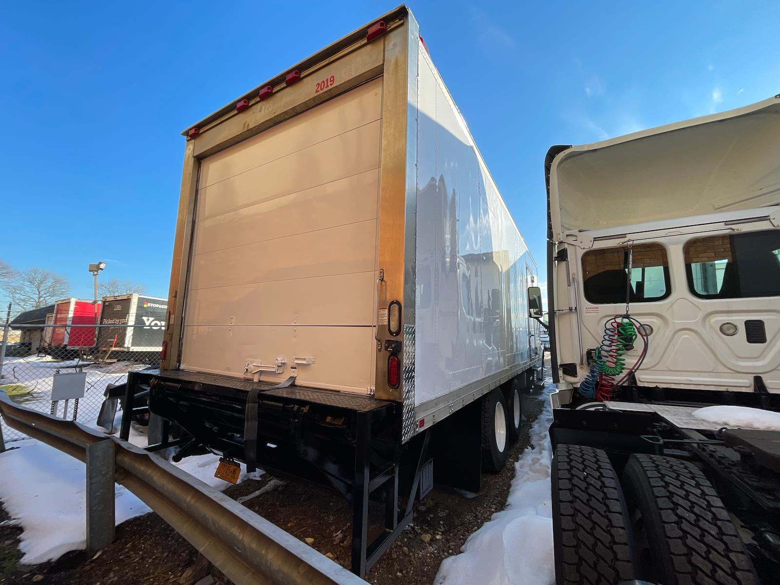 2014 Freightliner M2 106 6x4, Refrigerated Body #548320 - photo 1