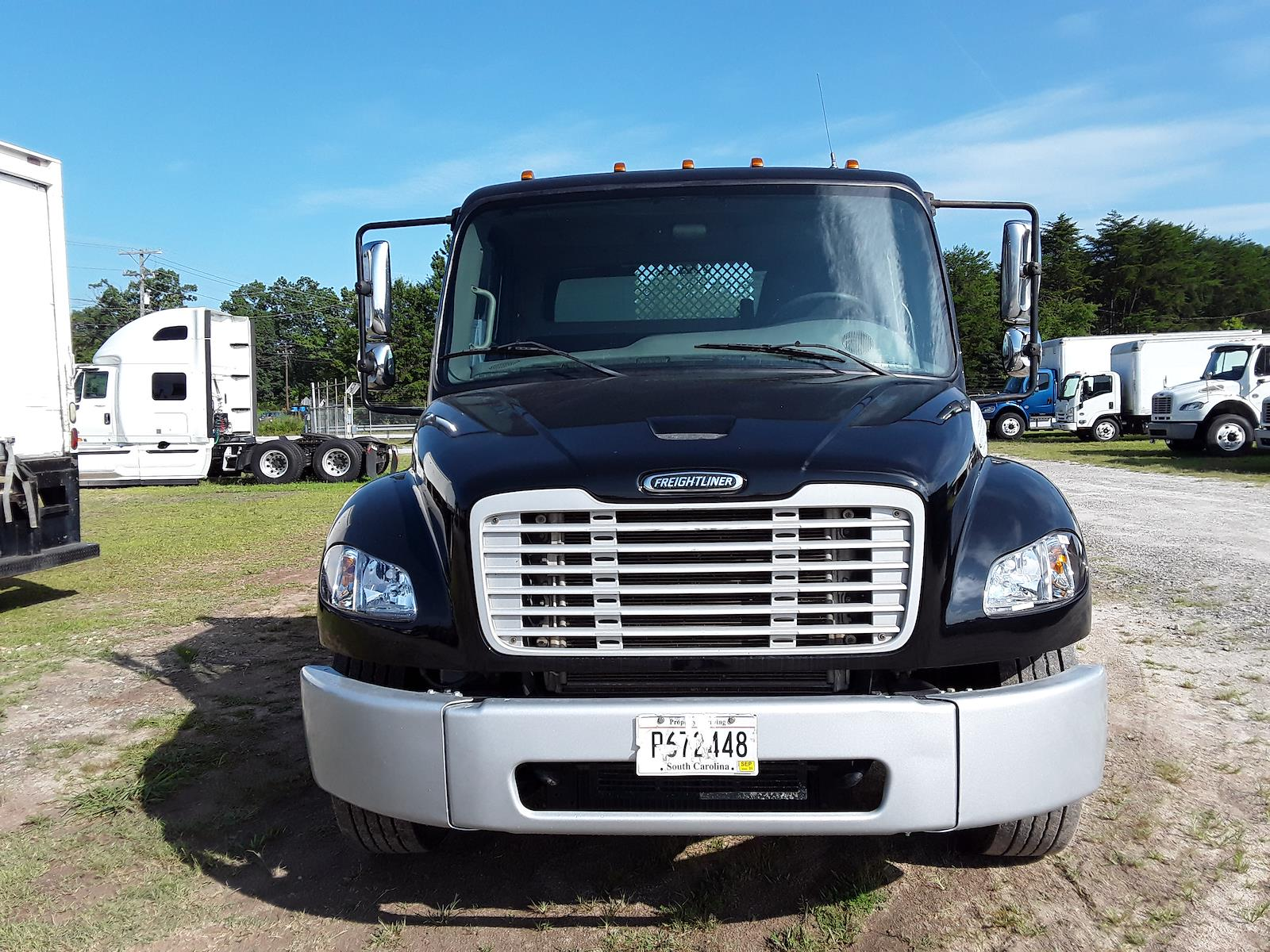 2015 Freightliner M2 106 4x2, Cab Chassis #325525 - photo 1