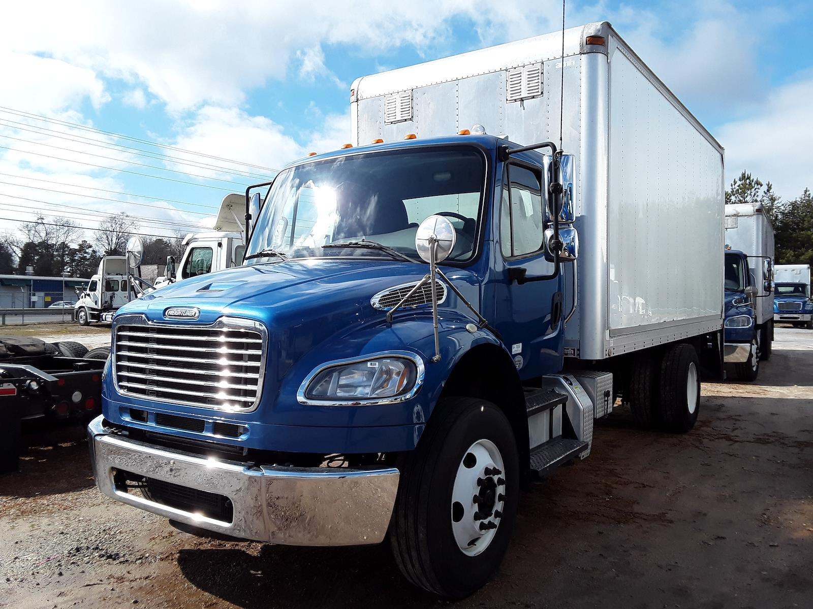 2014 Freightliner M2 106 4x2, Dry Freight #534914 - photo 1