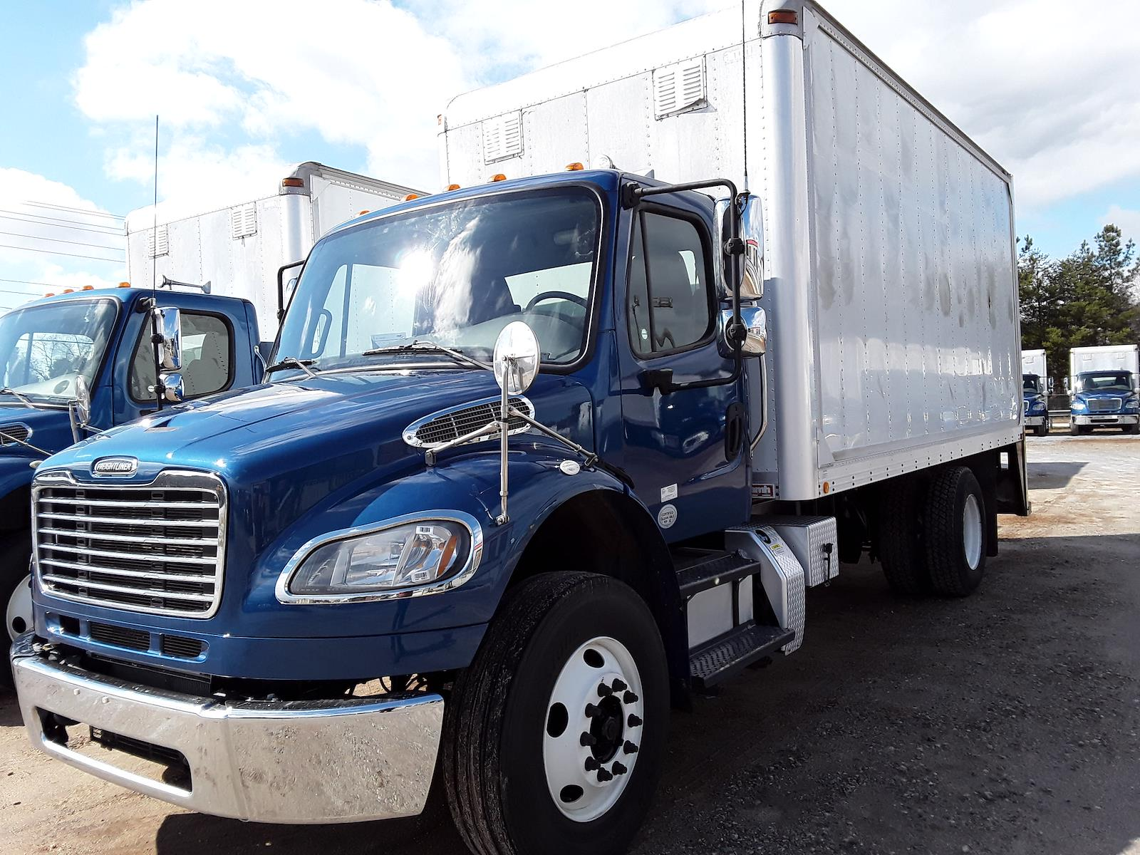 2014 Freightliner M2 106 4x2, Dry Freight #534917 - photo 1