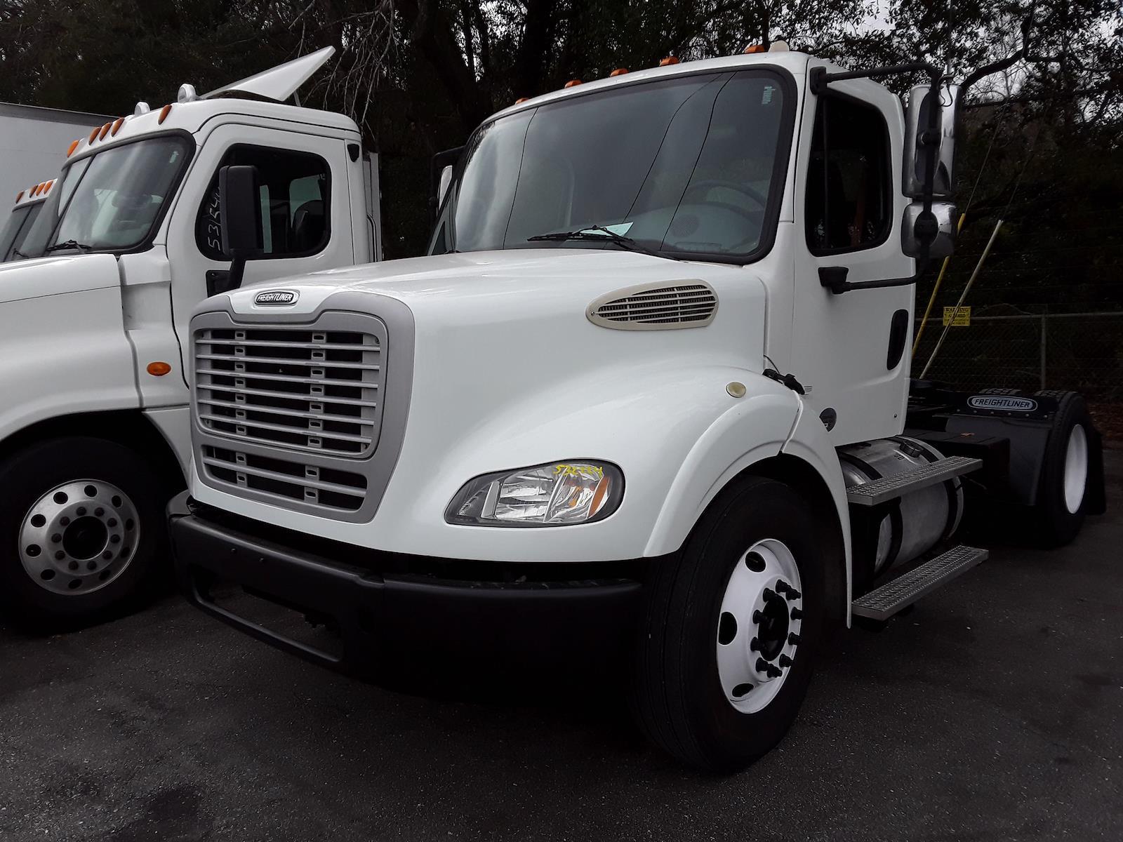 2014 Freightliner Truck 4x2, Tractor #532224 - photo 1