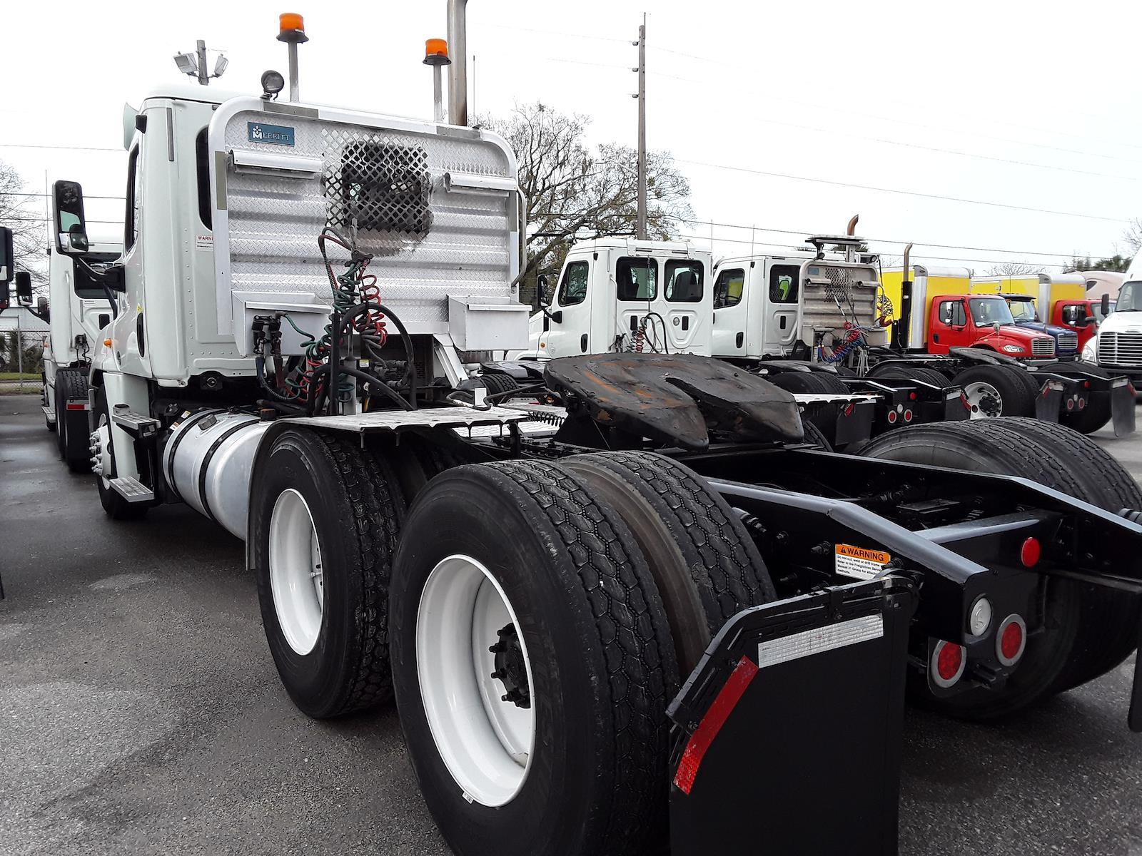 2014 Freightliner Truck 6x4, Tractor #542042 - photo 1