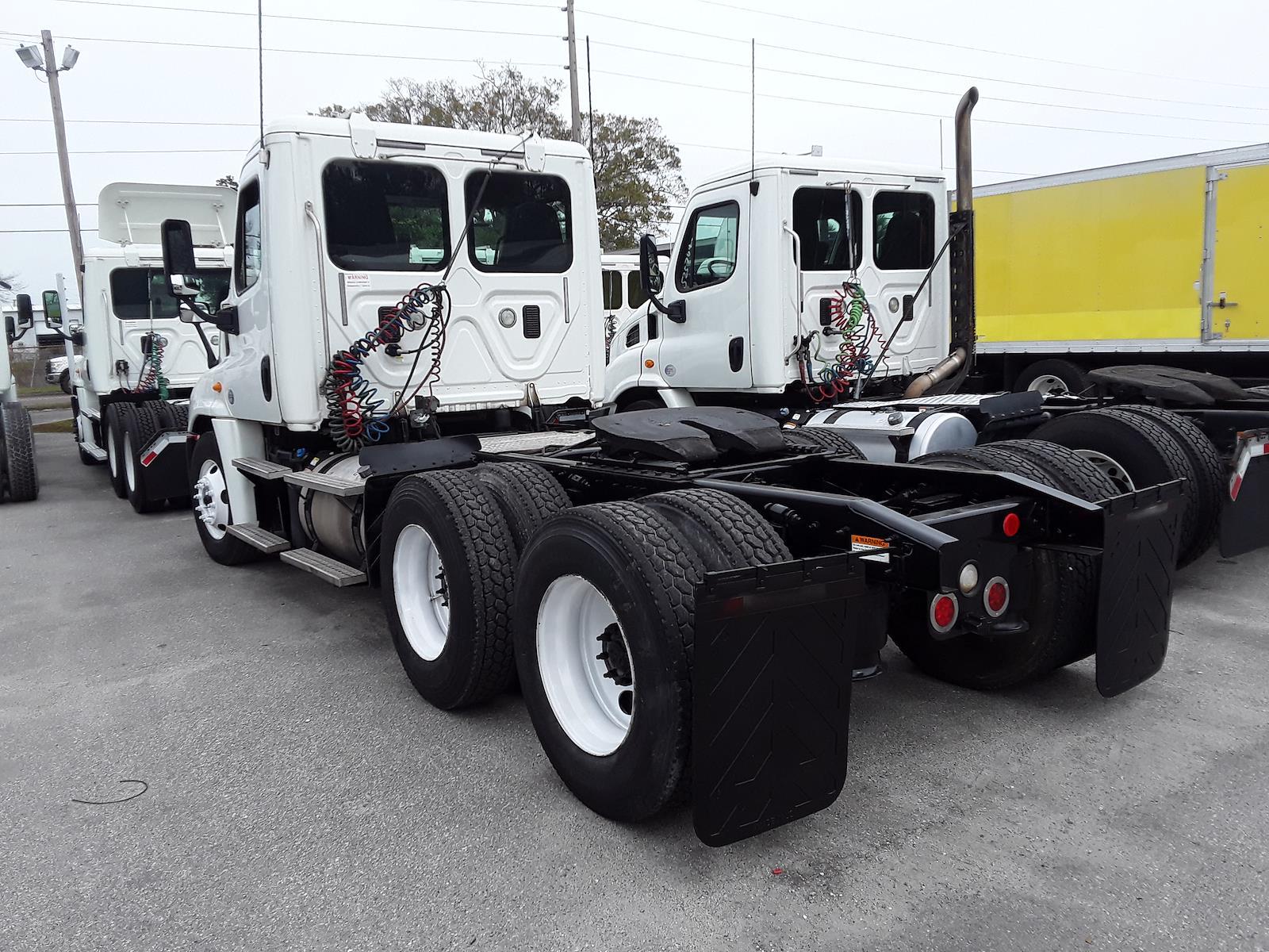2014 Freightliner Truck 6x4, Tractor #552805 - photo 1