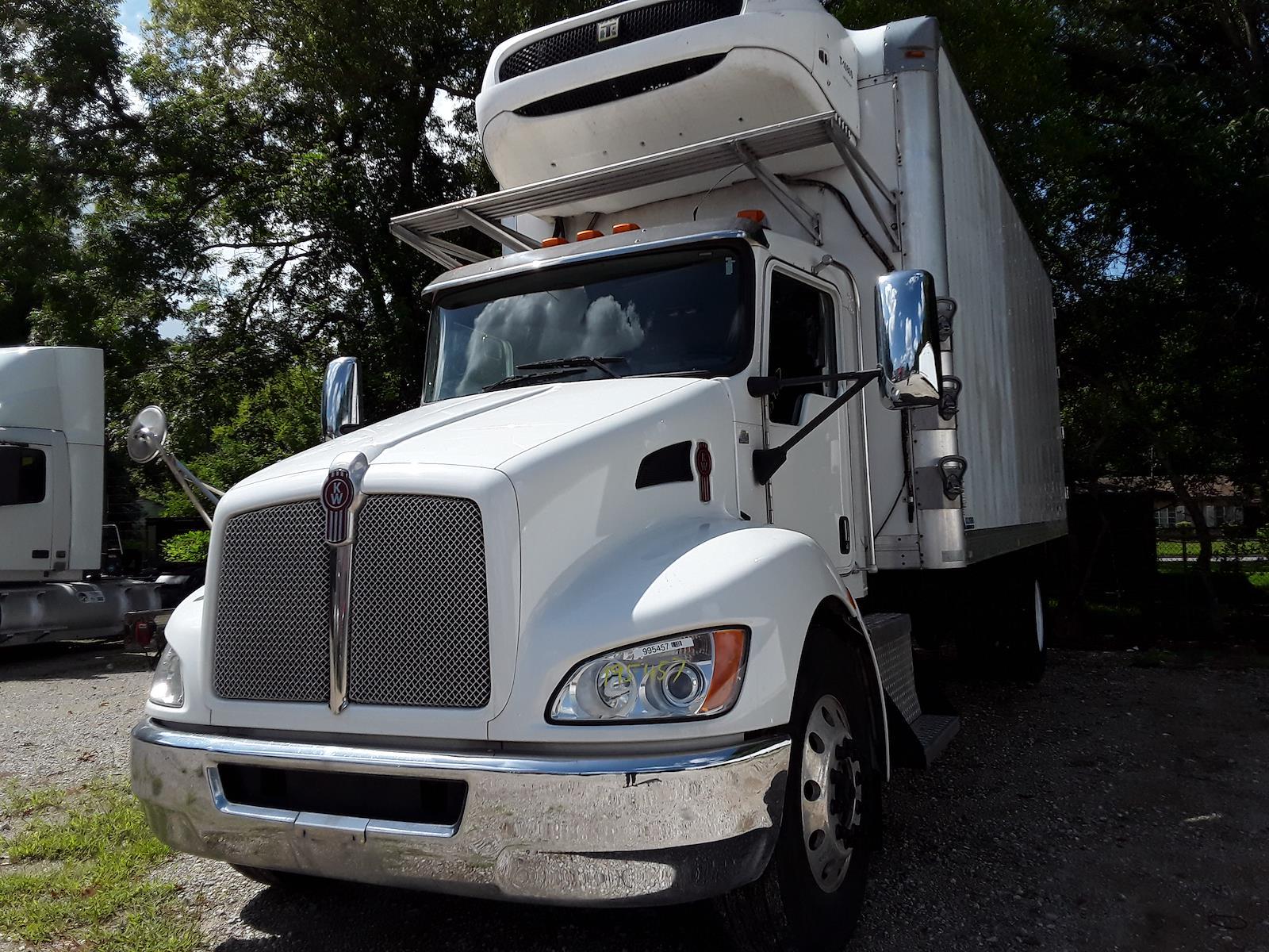 2017 Kenworth Truck 4x2, Refrigerated Body #995457 - photo 1