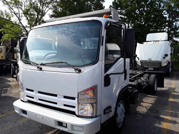 2015 Isuzu NQR Regular Cab 4x2, Cab Chassis #305793 - photo 1