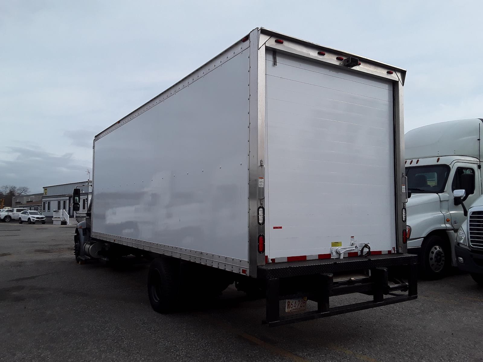 2015 International DuraStar 4300 4x2, Dry Freight #307041 - photo 1