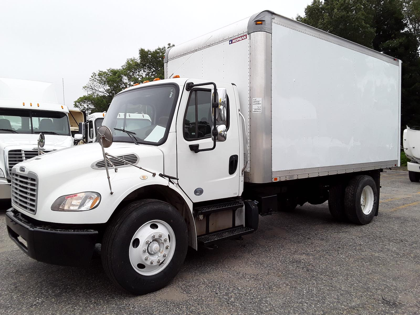 2015 Freightliner M2 106 4x2, Cab Chassis #308319 - photo 1
