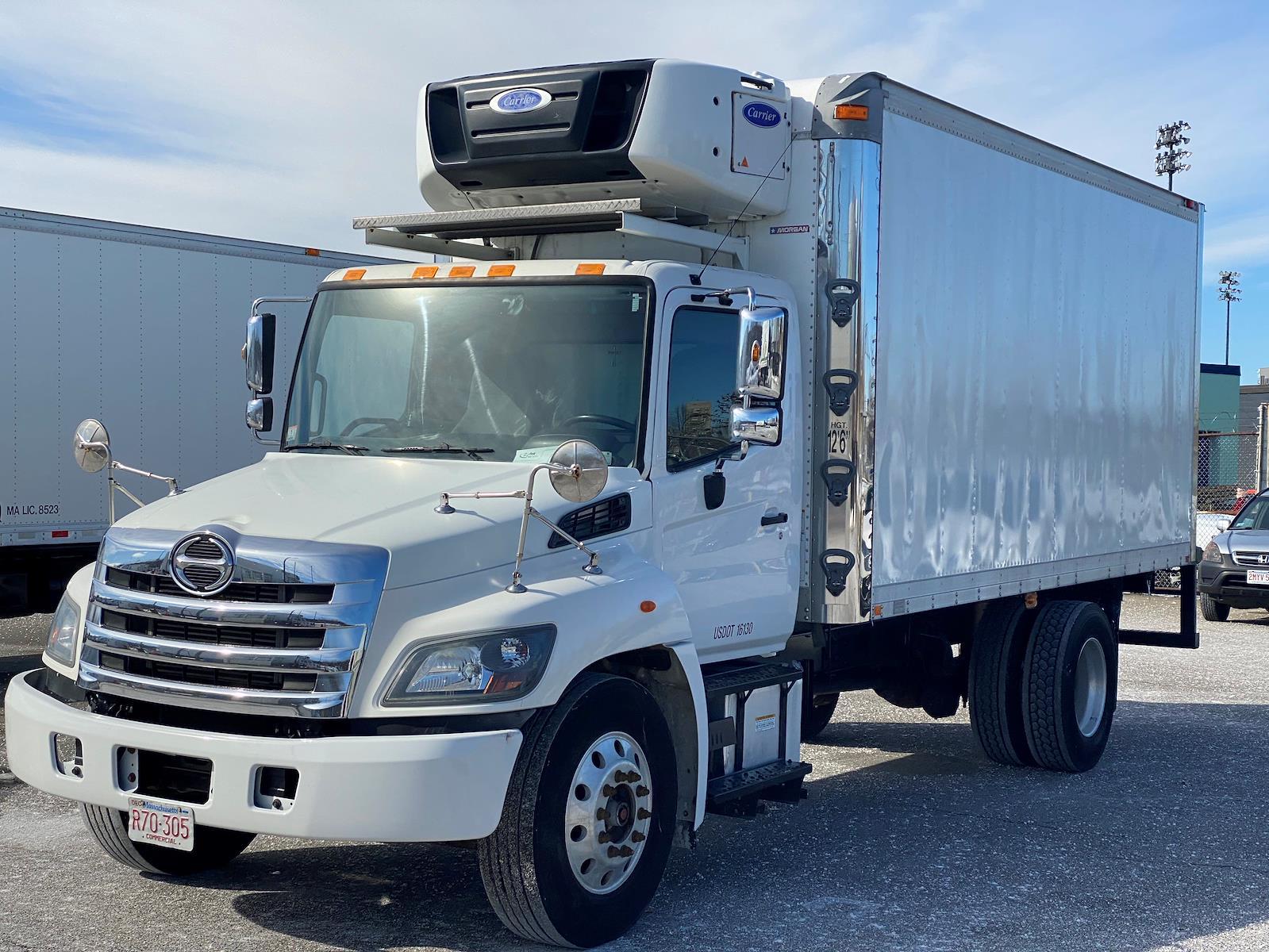 2015 Hino Truck, Refrigerated Body #326274 - photo 1