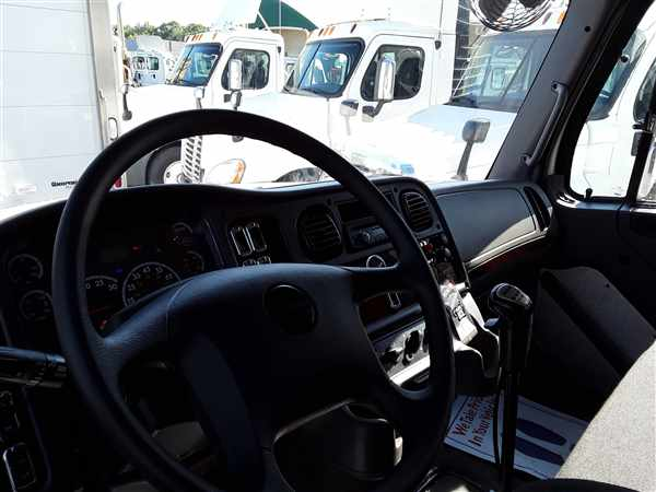 2015 Freightliner Truck 6x4, Dry Freight #334467 - photo 7