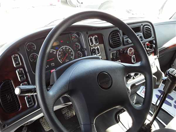 2015 Freightliner Truck 6x4, Dry Freight #334467 - photo 13